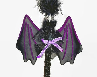 Children's costume LARP Costume Halloween costume accessories: deluxe witch's broom with raven feathers and purple wings. FREE P&P in the UK