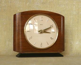 Old electric mantel clocks
