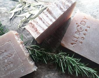 AUSTRALIAN SANDALWOOD Soap Bar | Naturally coloured and scented with Australian Sandalwood Essential Oil and blend of Essential Oils