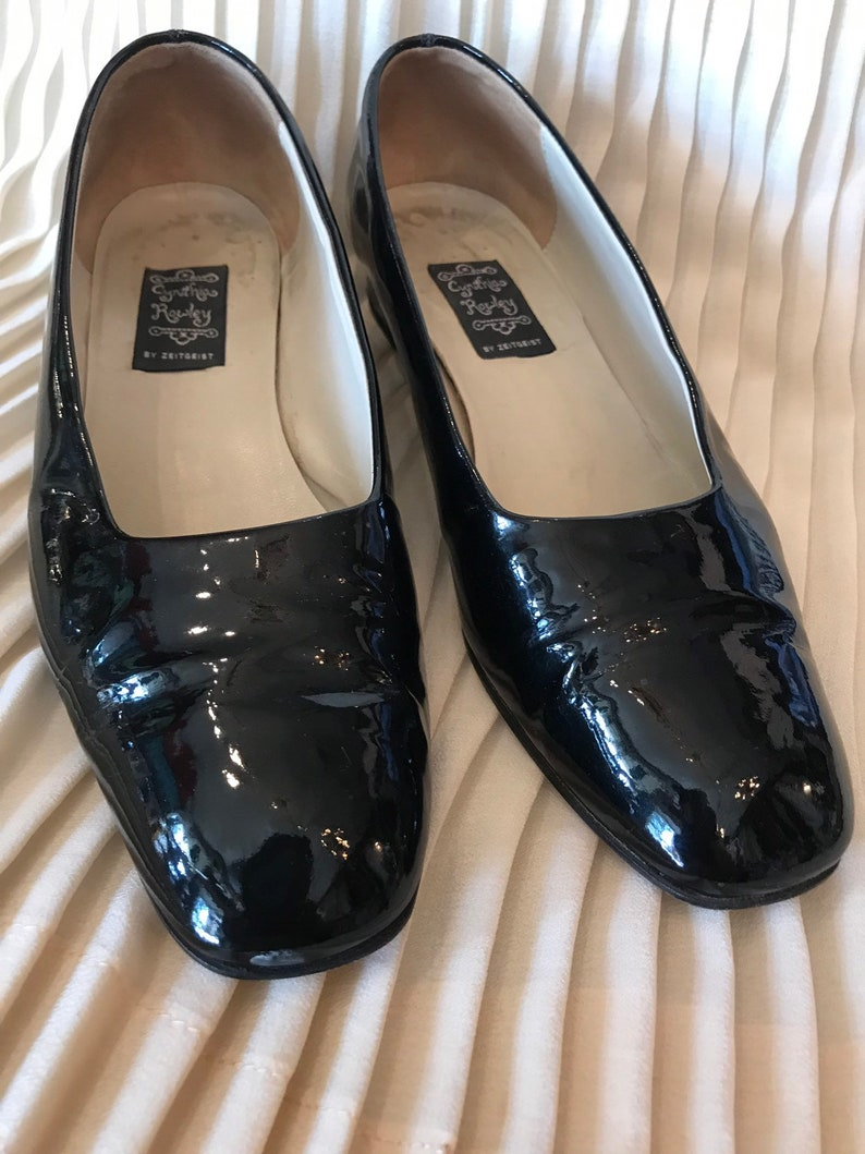 91a7c144c85ca 90's mod patent leather Square toe black flats| low heel Mod shoe | ballet  slipper | vintage Cinthia Rowley | size 7 B