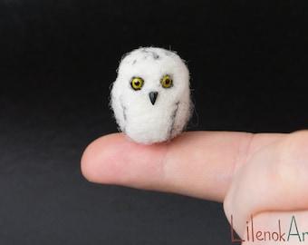 Needle felted Snowy owl, Snowy owl miniature, Felted snowy owl gift, Owl art, Owl lover gift, Cute owl decor, Tiny owl, Needle felted animal
