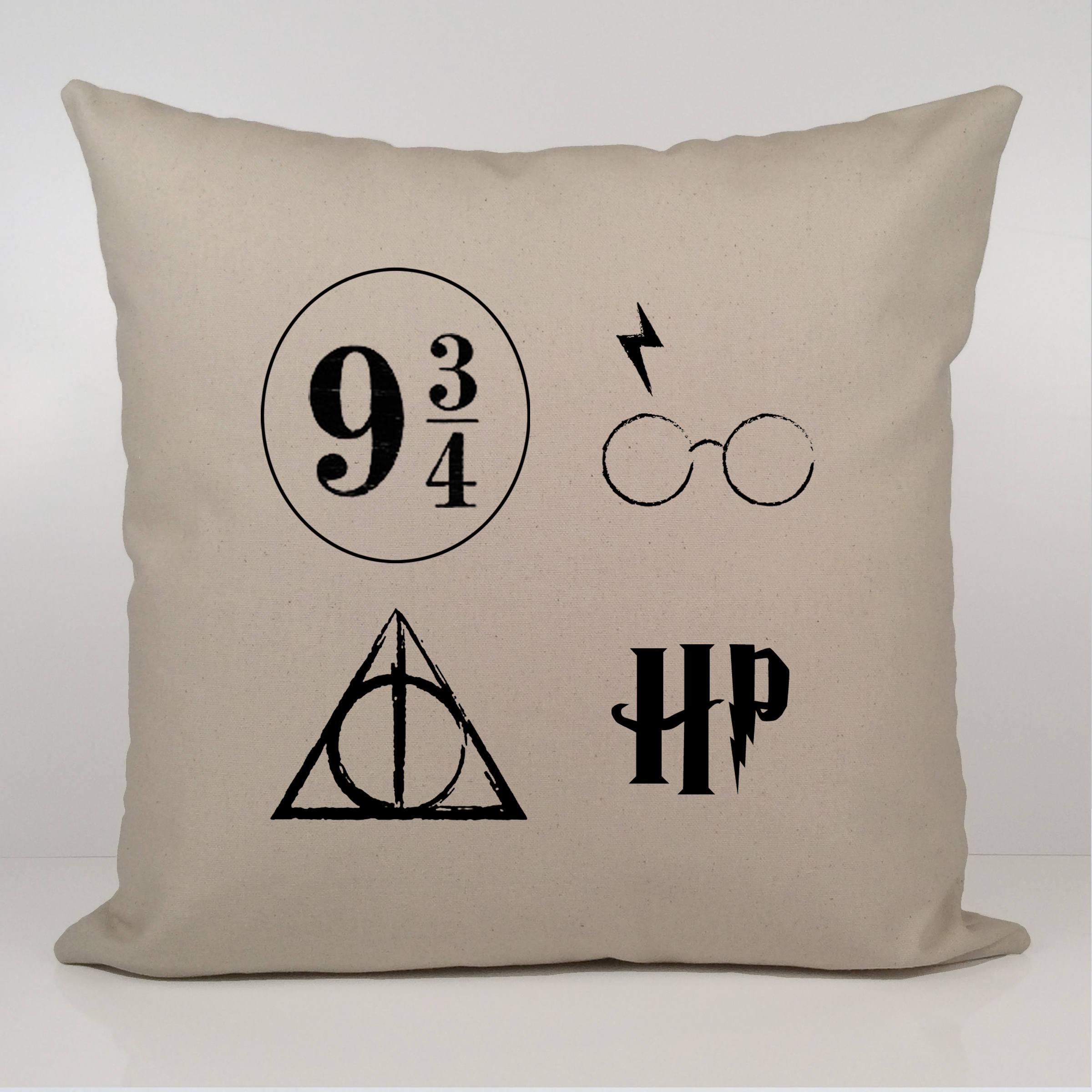 cadeau de harry potter housse de coussin de harry potter etsy. Black Bedroom Furniture Sets. Home Design Ideas