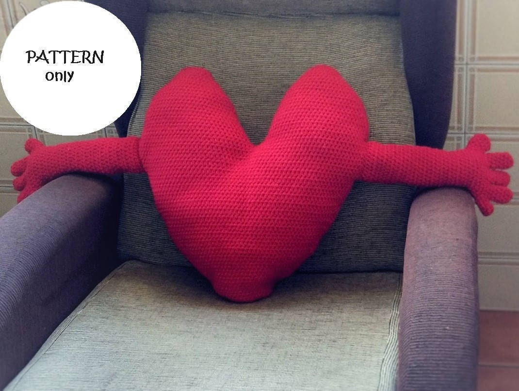 Patrón de crochet de cojín de corazón con brazos en español e | Etsy