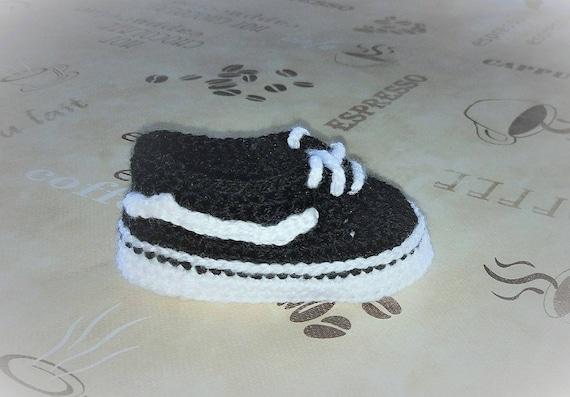 VANS Old Skool style crochet baby booties PATTERN  Crochet baby sneakers   Tutorial step by step  Baby shoes