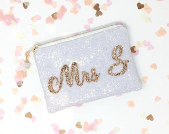 Wedding day Bridal/Bride Personalised Clutch Bag, Hen Do, Gift for Bride, Wedding Day, Wedding Accessory