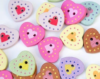 Wooden hearts, set of 5 (furnished) buttons
