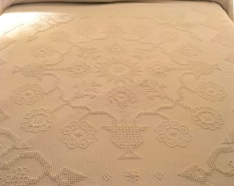 Bates George Washington choice chenille Bedspread twin size