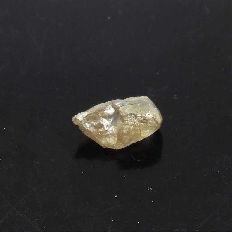 Rough diamond Crude stone minerals mineral specimen Vaal river Mining District 0.265 ct South Africa