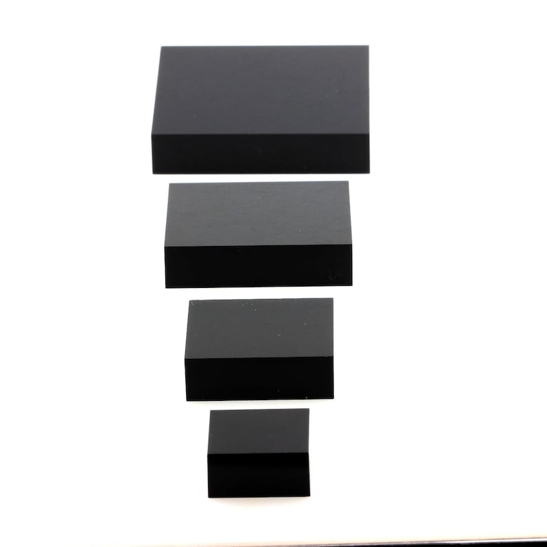 Three pieces Base acrylic display support for minerals Black 50 x 50 x 20 mm