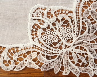 Vintage White Lace Hanky Hankie Wedding Bridal Mother of the Bride Free U.S. Shipping 022