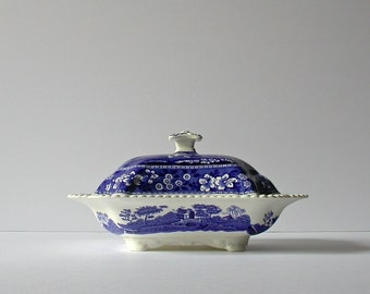 """Copeland """"Spode Tower"""" blue covered china bowl with lid / England, 1950s"""
