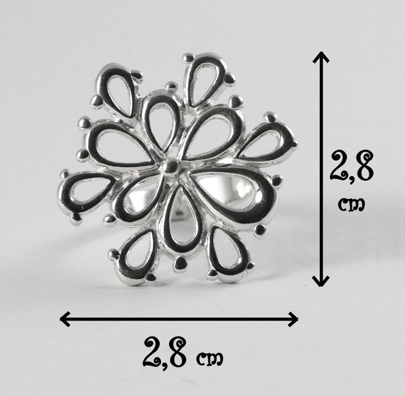 Silver statement ring Big silver floral ring for her Silver flower ring Silver minimalist ring 925 Sterling Silver flower ring
