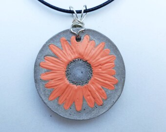 Concrete art Real daisy necklace Real flower necklace Concrete flower Concrete pendant Concrete necklace Concrete jewelry