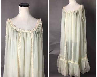 7e89ad941df Vintage 60s lingerie   1960s lingerie   volup plus size nightie   babydoll  nightie   nylon nightgown   vintage nightie   3017