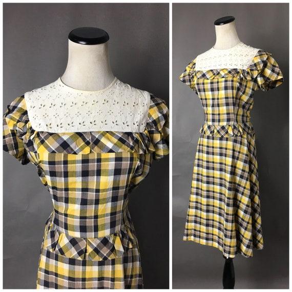 Vintage 40s dress / 1940s dress / novelty print dr