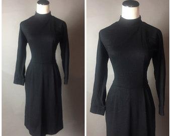 Vintage 60s dress / 1960s dress / day dress / LBD / party dress / wiggle dress /  8591