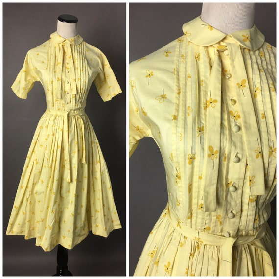 Vintage 50s dress / 1950s dress / fit and flare dr