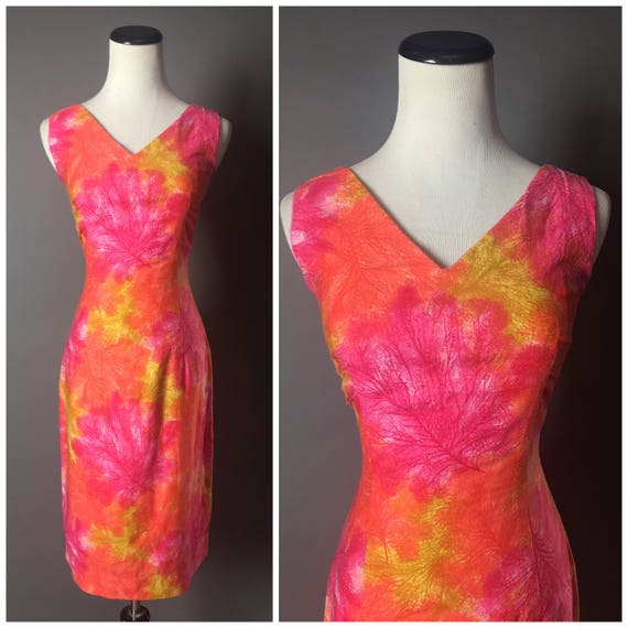 Vintage 60s dress / 1960s dress / novelty print /