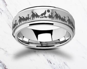 Laser Engraved Fidget Spinner Ring howling Wolf Moon Forest Scene Landscape Satin & Polished Edges - 8mm Available - Lifetime Size Exchanges