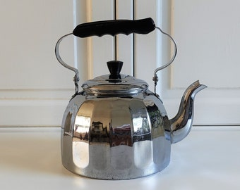 Old metal water kettle | decorative 1950s vintage | large nostalgic stove top teapot