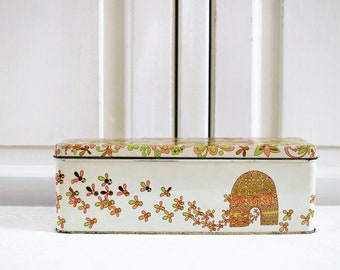 Collectible 1960s vintage dutch ginger bread tin, bread cake box. Beehive kitchen container floral atomair kitchenware beige green pink gold