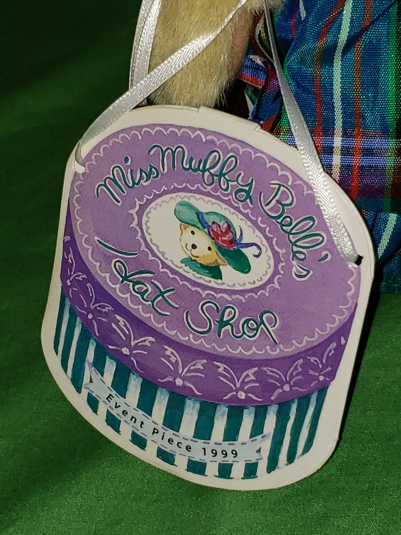 Muffy Vanderbear Miss Muffy Belle\u2019s Hat Shop Event Piece 1999