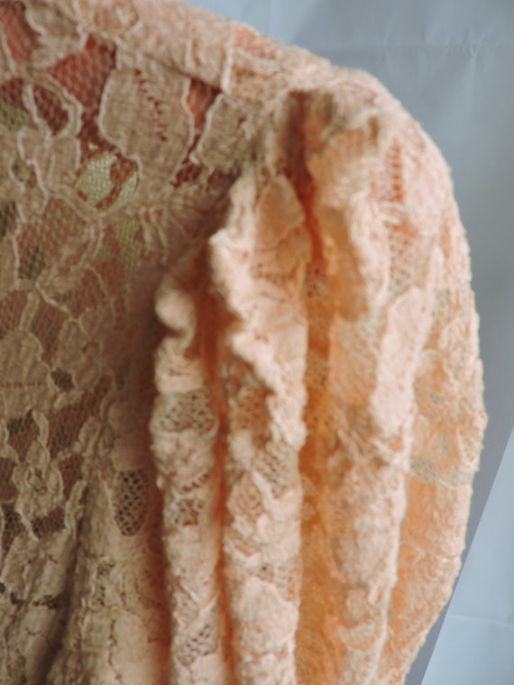 30's Peach Lace Gown - image 3