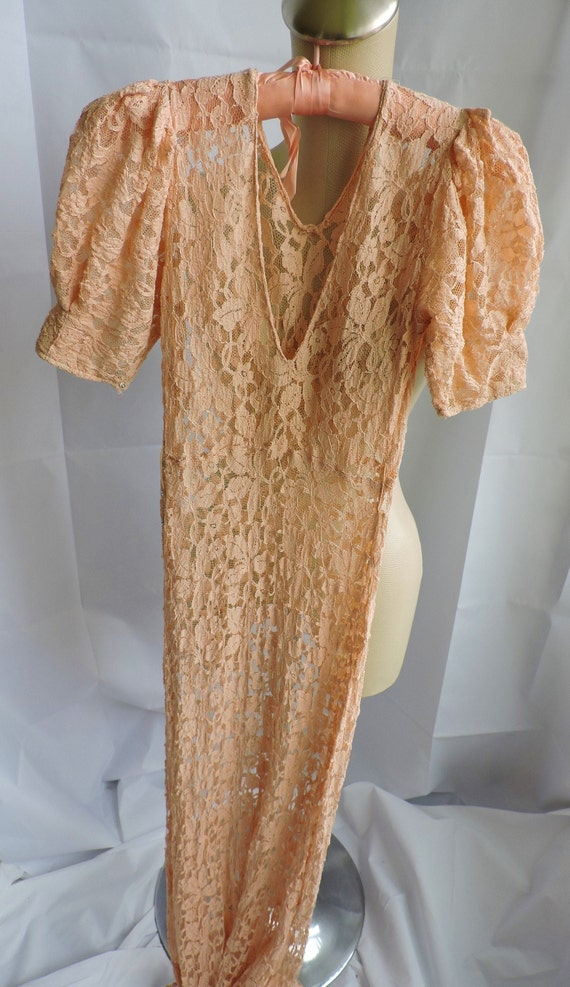 30's Peach Lace Gown - image 2