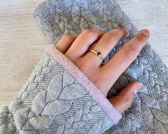Arm gauntlets cuffs pulse warmer muffle knit grey fleece winter lined