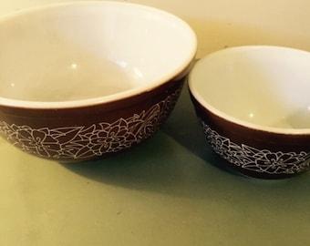 Brown Pyrex Bowls, Daisy Pattern, Two 2, Mid Century ,Retro, Glass Mixing Bowl, Deep Creek Shabby Decor