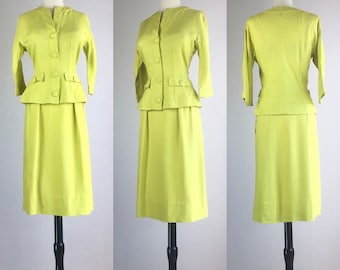 Late 1950's Vibrant Chartreuse Lime Green Collarless Linen Day Suit | Size Medium