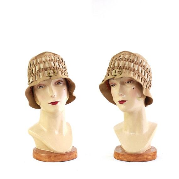 1920s Beige Felt Cloche - 1920s Beige Cloche - 192