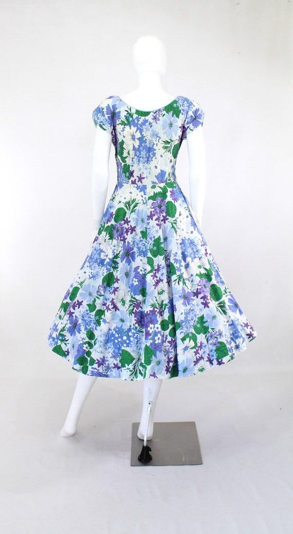 1950s Floral Fit & Flare Dress - 1950s Purple Flo… - image 8