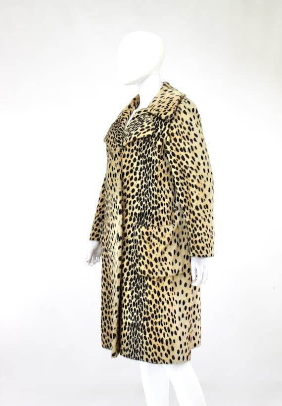 1960s Leopard Print Faux Fur Coat - Vintage Leopa… - image 7