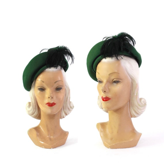 1940s Hunter Green Tam Beret with Feather Detail -