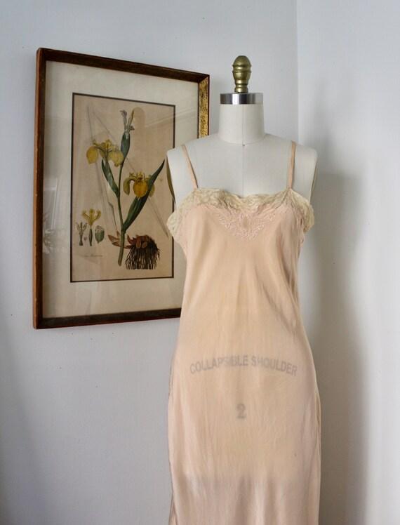1930s Slip / Vintage 30s Peach Lingerie / S