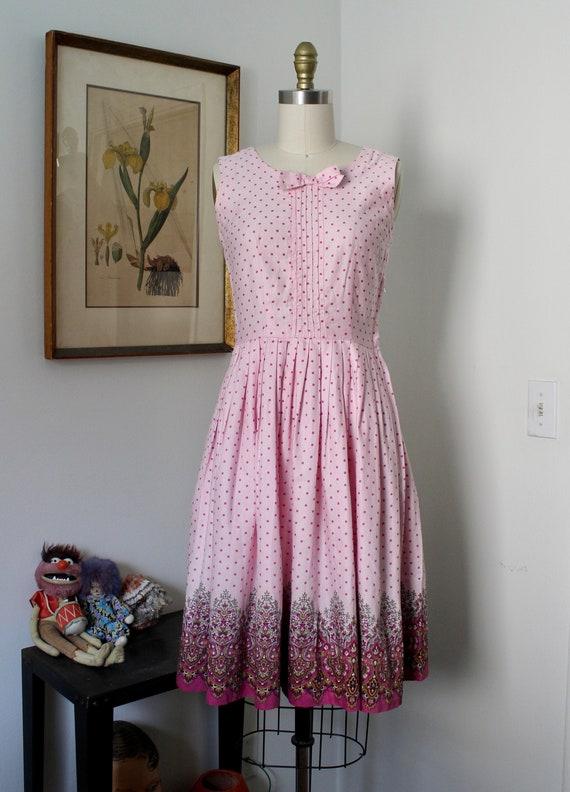 1950s Sundress / Vintage 50s Floral Print Dress /… - image 1