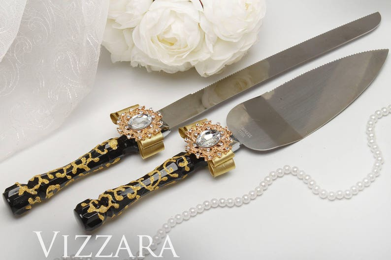 Wedding cake knives sets Black and gold wedding Wedding cake cutting set Gold and black wedding Cake serving sets Black themed weddings