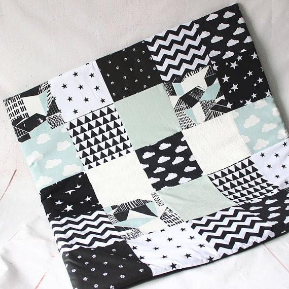 tapis eveil montessori. Black Bedroom Furniture Sets. Home Design Ideas