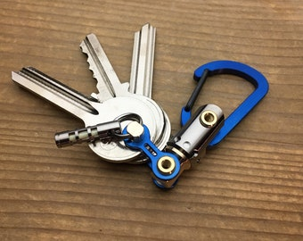 Ti- Bike-link Carabiner with Ti-Swivel-II Connector / Ano Blue 24V