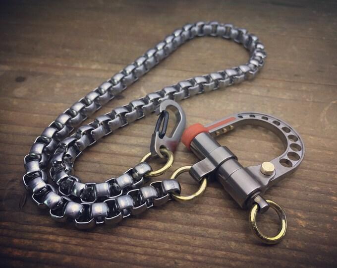 The Motero / Biker wallet chain in titanium and steel
