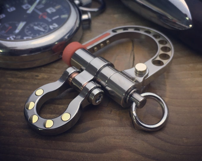 Top Titanium Shackle Carabiner Keychain / The Sailor