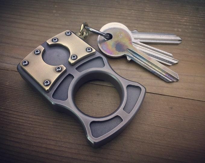 Titanium Keychain Knuckle / Aged texture