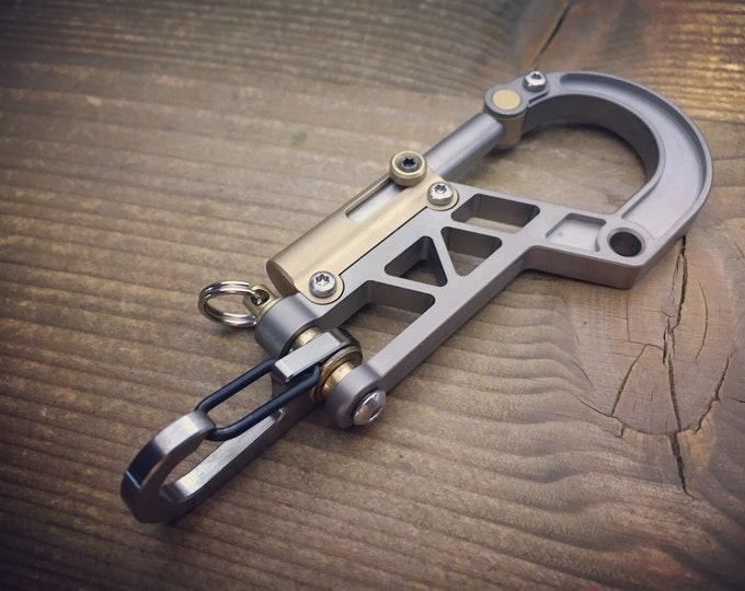 Bolt Carabiner / Base