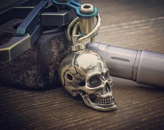 Rotating Bead Pendant  / S.S. Big Skull