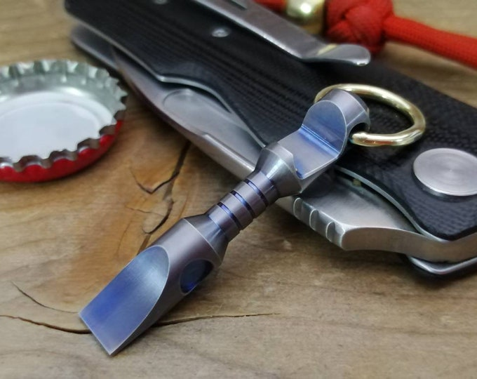 Mini Pry-Bar  Multi tool, bottle opener / Titanium 25v
