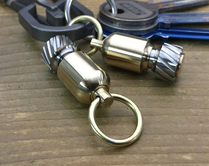 Bead Connector / Titanium - Brass Bomb