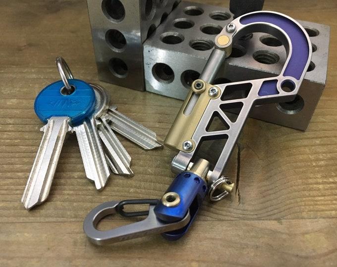 Titanium Bolt Carabiner. Swivel Clip / STD/NAT