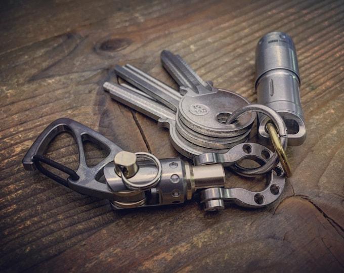 Titanium Sailor shackle Key chain  with (Swivel)  small Jib Furler