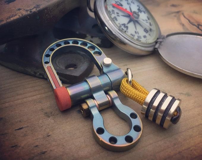 Titanium Shackle Carabiner Keychain / Top Rainbow one-off